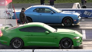 2018 Mustang GT vs 2019 Challenger Scat Pack - drag race