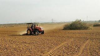 河南南阳:地里太干了,眼看节气已经过了农民不能种小麦,真发愁
