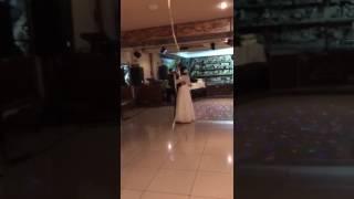 Первый танец кипрский дворик