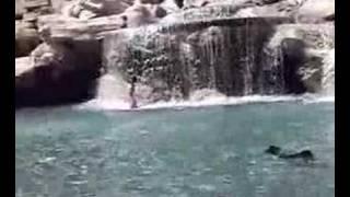 Nude woman Fontana di Trevi (donna nuda a Fontana di Trevi) thumbnail