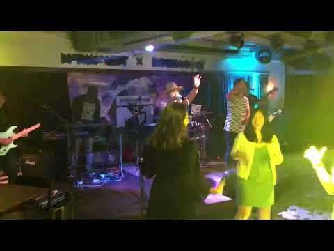 Tsim sha tsui , Hong Kong night out , bar performance