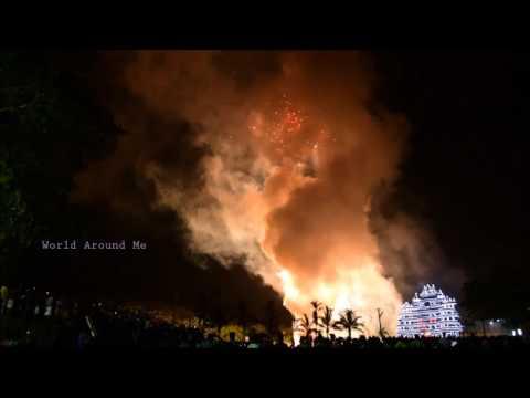 Uthralikkavu Fire Works 2017 Kumaranellur Desom