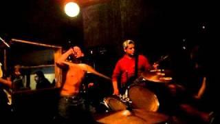 Gritando Odio - Peleamos (cover Los Crudos)