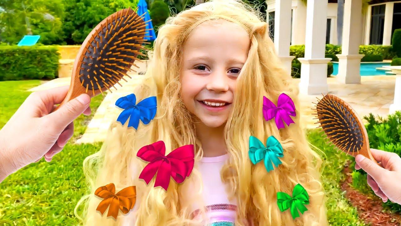 Download Nastya et Stacy jouent avec des jouets de coiffure et des cheveux de teinture