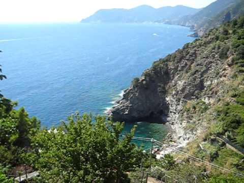 La Marina di Corniglia dalla terrazza di Santa Maria - YouTube