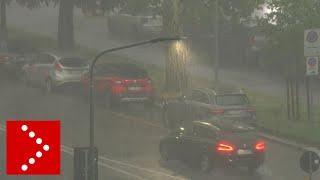 Milano, l'intensità del temporale abbattutosi in serata