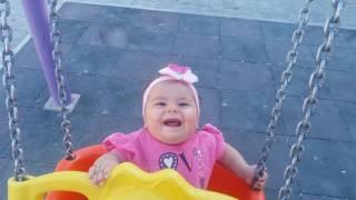 bebek prenses Elifsu salıncaktaki gülme krizi ,çok güzel gülüyor ,7 aylıkken  maşallah
