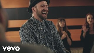 Смотреть клип Justin Timberlake - CanT Stop The Feeling!