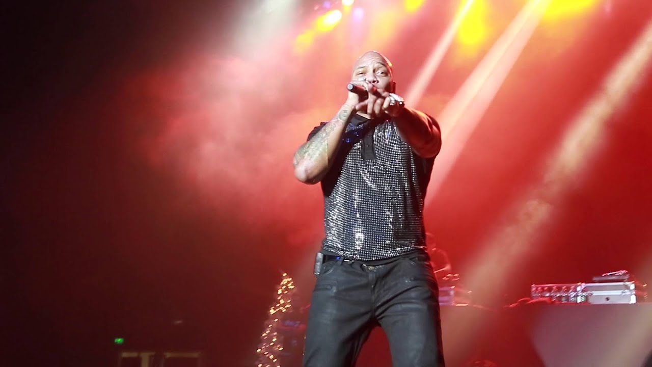 Flo Rida (OFFICIAL) My House & Apple Bottom Jeans Live - YouTube