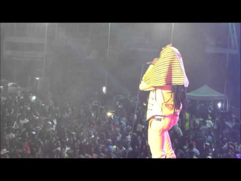 Winky D performs 'Mumba mababa' at 'Together as oone Chris Martin show'