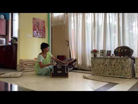 Налини-канта поет Бхаджаны