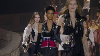 Highlights from the Louis Vuitton Women's Fall-Winter 2018 Fashion Show thumbnail