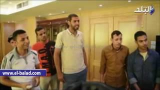 بالفيديو والصور .. محافظ الفيوم يكرم فريق الساحة الشعبية لكرة القدم للصم