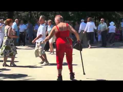 прикольные танцы смотреть онлайн видео от 1975golova в