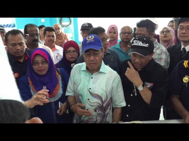 Demonstrasi tuna slicing bersama MB Kedah