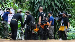 Thai diver dies during cave rescue operation to save boys