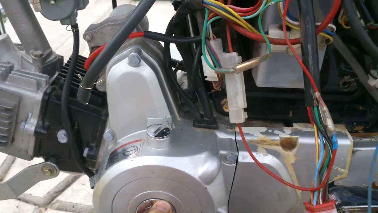 как открутить ротор генератора на мопеде альфа,дельта без съёмника .