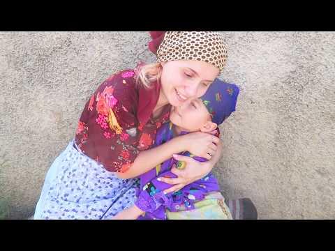 Tipuri de BABE in Sat | Marusia si Nina stau la Sfat