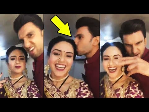 Ranveer Singh CUTE MOMENT With Amruta Khanvilkar
