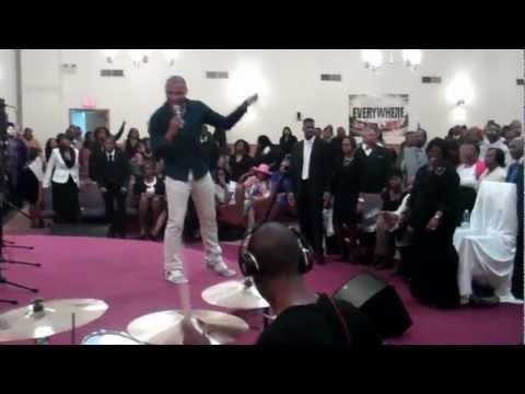 Todd Dulaney Pulling Me Through to Jesus Christ (Praise)