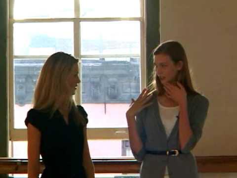 Karlie Kloss Teaches Us Her Runway Walk — on Video!