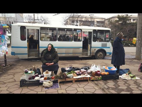 WHAT IS LIFE LIKE IN UKRAINE? | Chernivtsi, Ukraine