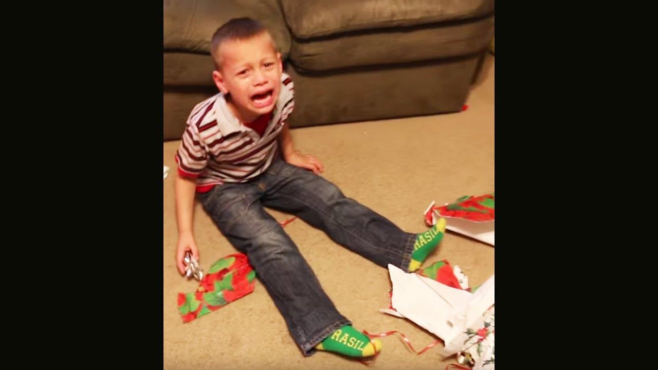 ich habe das schlimmste weihnachtsgeschenk der welt bekommen.. - YouTube