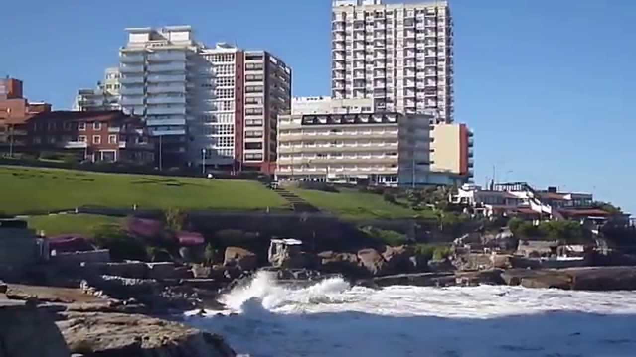 Mar Del Plata Argentina Grandes Olas Despues Del