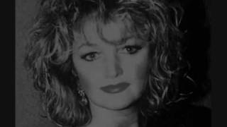 Watch Bonnie Tyler First Love video