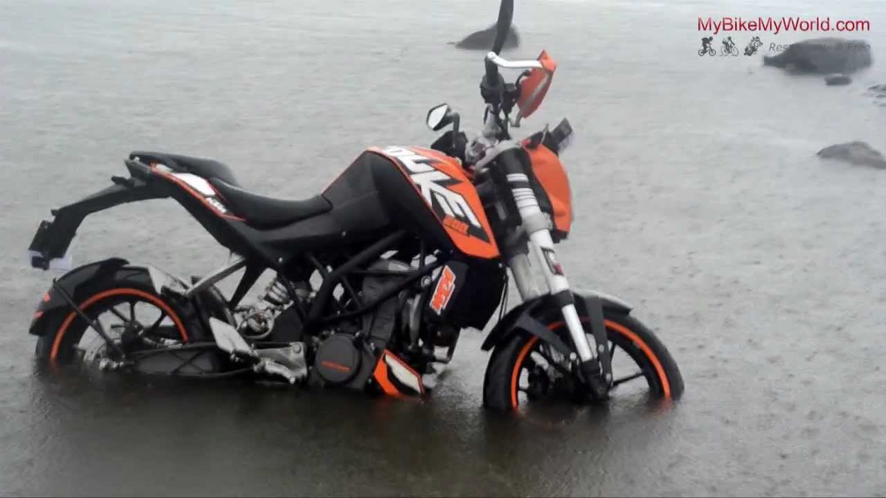 Ktm Duke Black Vs White