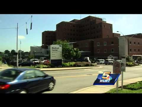 White House deputy chief of staff tours Cincinnati VA hospital
