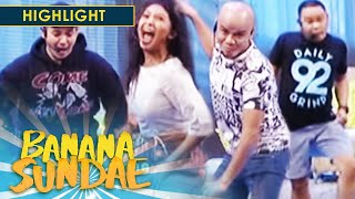 Banana Sundae: Pass the Action