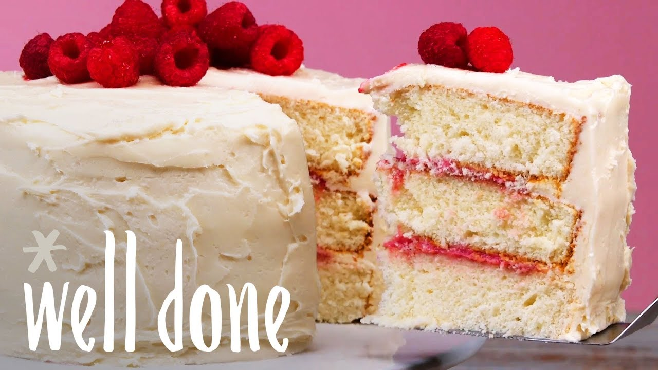 Vanilla Buttercream Frosted Cake With Raspberry Curd