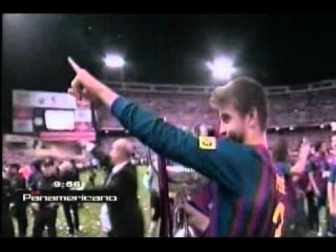 VIDEO: Gerard Piqué besa a Shakira tras final de la Copa del Rey