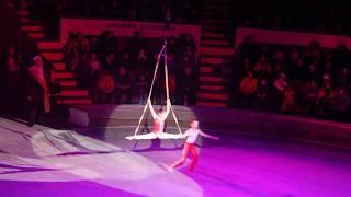 Воздушные гимнасты на ремнях.Милана Верзилова и Сергей Шумило
