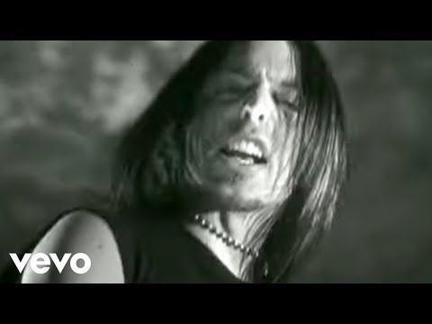 Bullet For My Valentine - Suffocating Under Words Of Sorrow (What Can I Do) (Official Video)