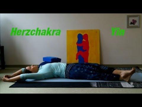 herzchakra-yin-yoga-mit-mudras
