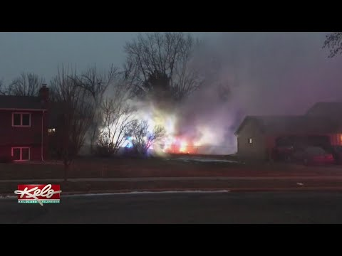 UPDATE: 1 Dead After Plane Crashes, Damages Houses In Eastern Sioux Falls