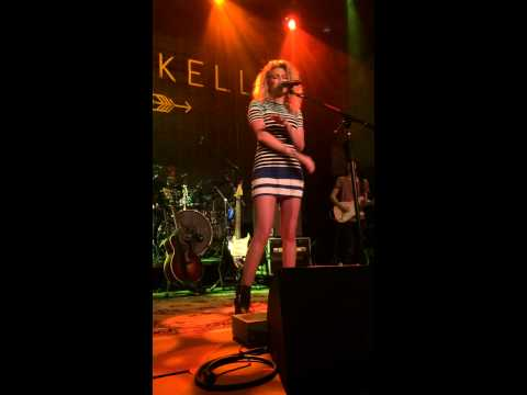 Anyway/ Doo Wop - Tori Kelly