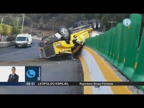 Dos tráilers vuelcan y desquician el tránsito en autopistas de CDMX a Puebla y Cuernavaca