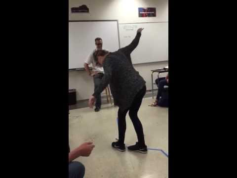Elle gifle son professeur après une Simulation d'alcoolémie