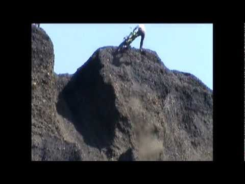 Guru goes VERT  Hill Climbs Trevorton Pa  KX500