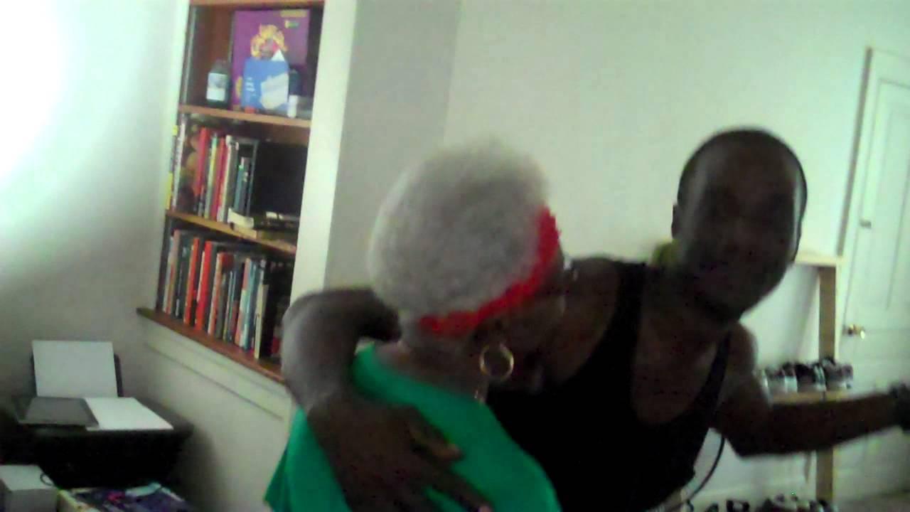 Download Puticha and His Mom Dancing
