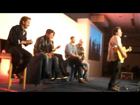 Fredric Lehne singing & playing guitar,  Asylum 6