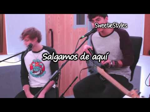 5 Seconds Of Summer - She Looks So Perfect Live Acoutic Version [Subtitulado Español]