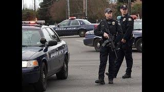 Американский полицейский застрелил преступника, набросившего