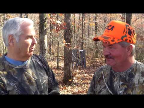 Former world champ Gene Hatcher hunting deer