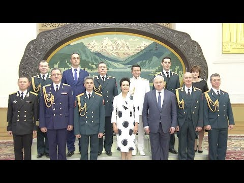 Chinese first lady Peng Liyuan met Russia