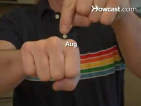 How to Use Your Knuckles to Remember the Number of Days in Each Month
