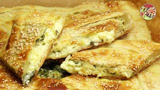 Хачапури с жареным сыром. Khachapuri (pie) with fried cheese.